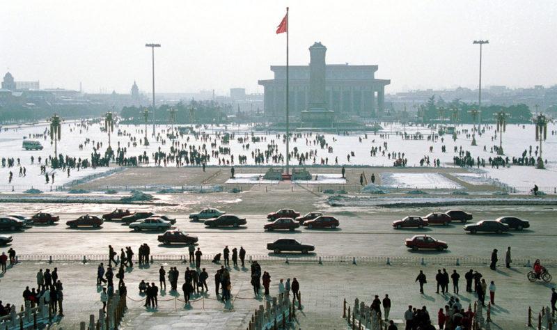 Winter! Hilfe! Der Tiananmen-Platz in Peking im Januar 2001. Foto: Greg Baker (Keystone)