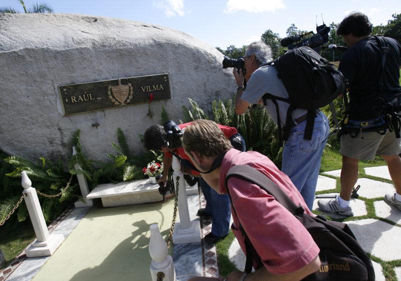 Raúl Castros Grab ist seit Jahren bereit. (Foto: Reuters/Claudia Daut)