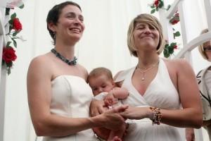 Lesbischer Riemen Mama-Tochter