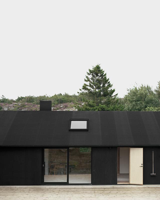 Holzfassade Schwarz schlichte schwarzweiss architektur aus schweden home