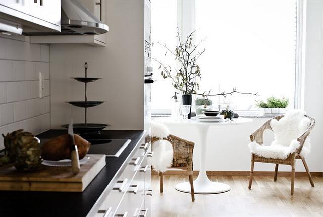 10 einfache wohnideen die lust auf frisches weiss machen for Weisse holztische