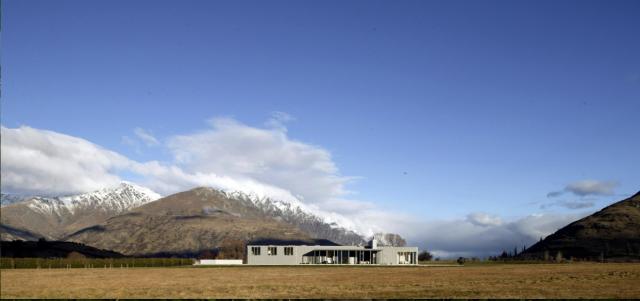 Das Wakatipu Basin House Der Renommierten Neuseeländischen Architekten  Fearon Hay Architects Wirkt Diskret Und Modern Und Ist Sehr Schön In Die  Starke Natur ...