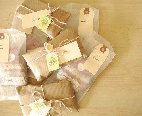 geschenke verpacken das machen wir diese weihnachten selber sweet home. Black Bedroom Furniture Sets. Home Design Ideas