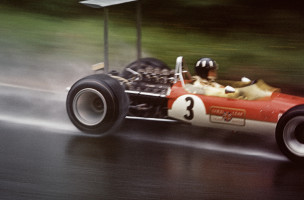 Graham Hill am Grossen Preis von Deutschland auf dem Nürburgring in seinem Lotus-Ford Cosworth 49B von 1968.  © motorsportfriends.ch, Courtesy Museum im Bellpark
