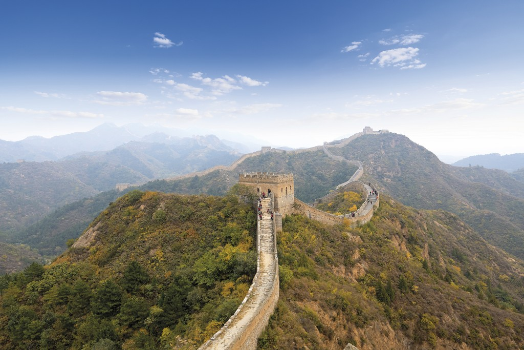 the great wall of china in autumn