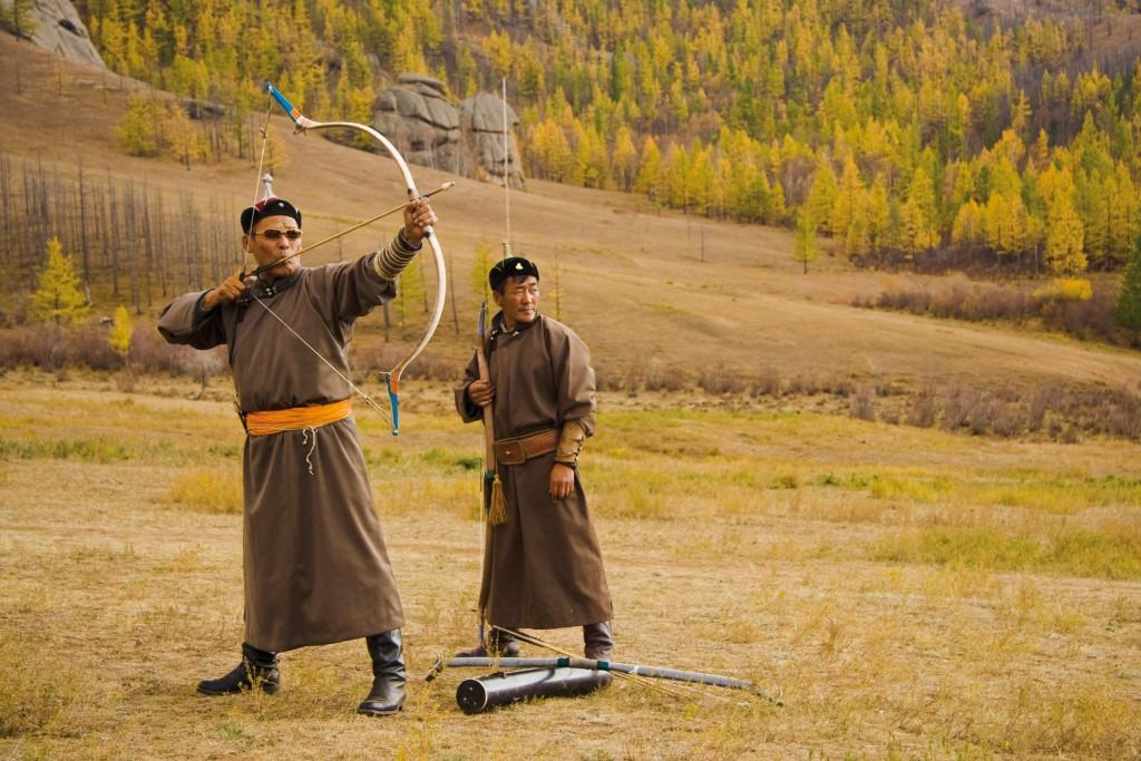 Mongolische Bogenschuetzen - Felix Willeke X