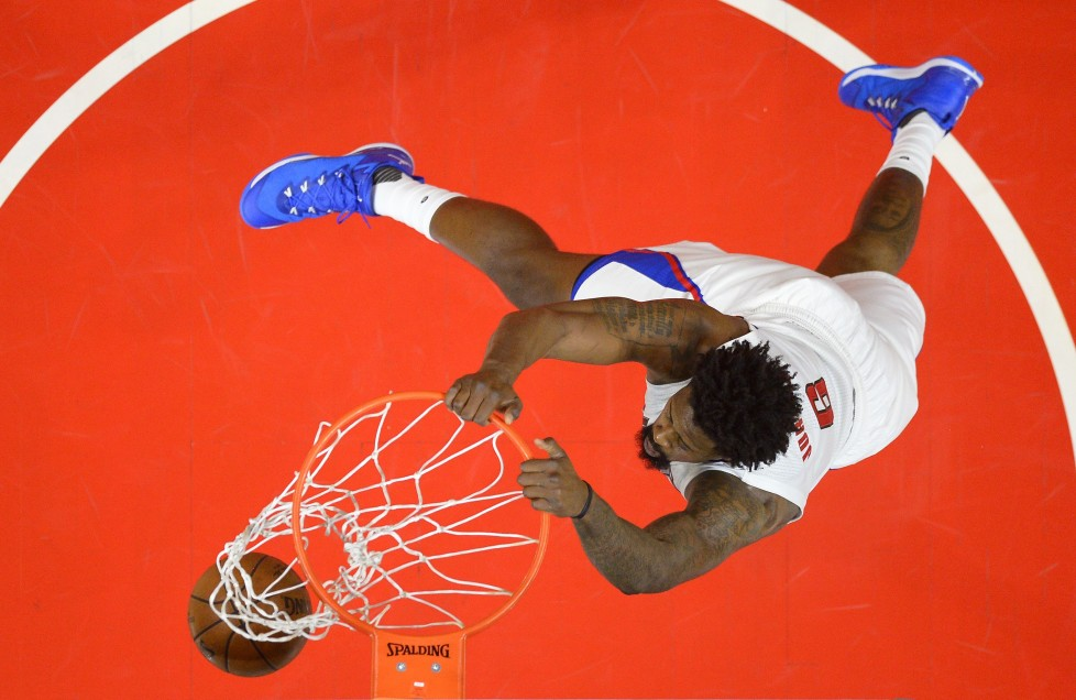 Los Angeles Clippers center DeAndre Jordan dunks during the second half of an NBA basketball game against the Minnesota Timberwolves, Sunday, Nov. 29, 2015, in Los Angeles. The Clippers won 107-99. (AP Photo/Mark J. Terrill)