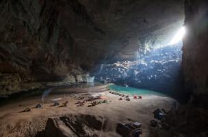 Camp in Hang En Cave.  Foto: Tanja Demarmels