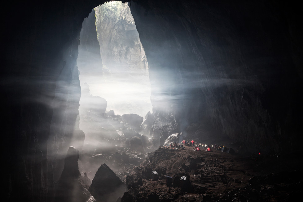 First Doline and Camp inside Son Doong Cave. Foto: Tanja Demarmels