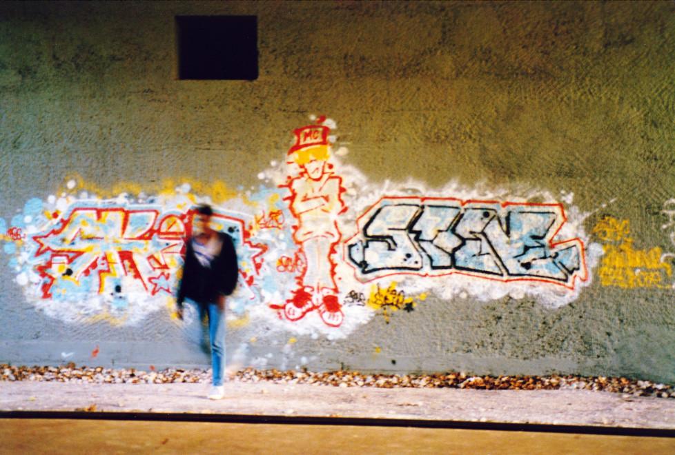Graffiti in Zürich Letten Text von Jean Marc Nia Credit: auf Buch verweisen Borsi macht einen Blog dazu