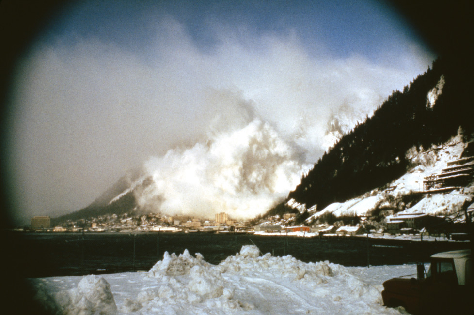 "NATIONAL GEOGRAPHIC SPECIAL -- ""Avalanche: The White Death"" Aired 05/08/1999 -- Pictured: Avalanche in progress (Photo by Jonnathan D. Gray/NBC/NBCU Photo Bank via Getty Images)"