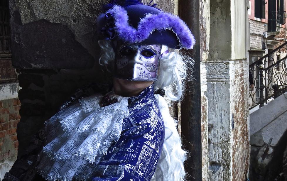 Maskierter Karnevalist in Venedig. Leserbild: Michael Zeder