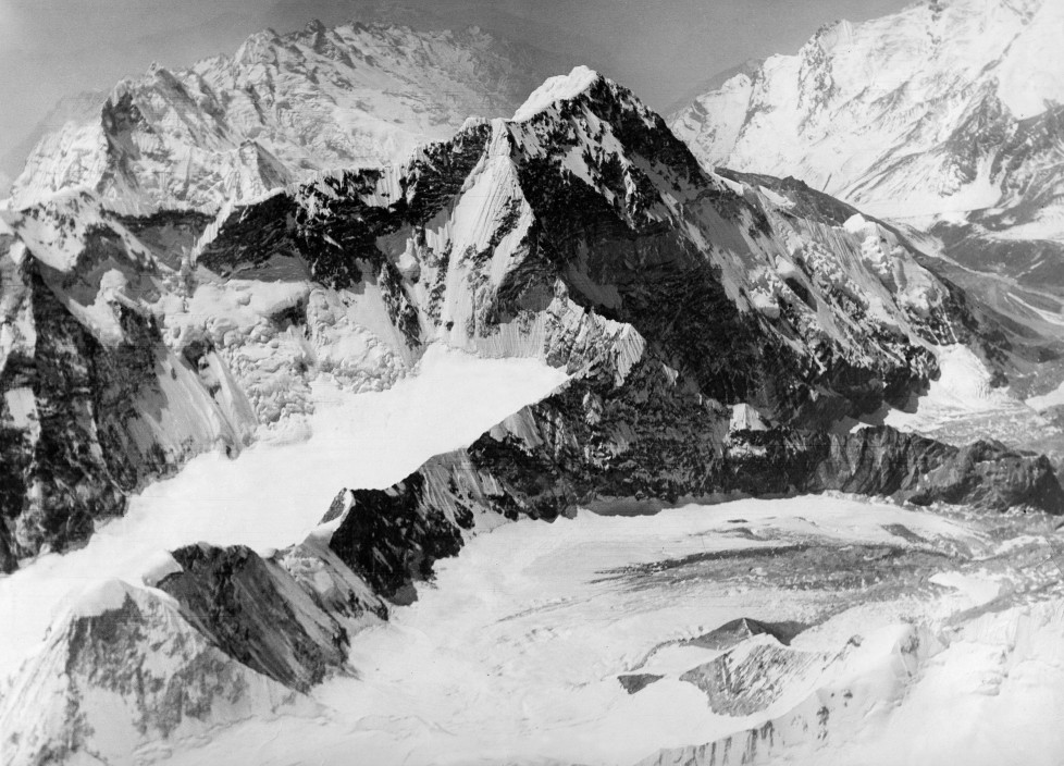 (GERMANY OUT) The Houston Mount Everest Flight: Everest looking down on North-east, looking up climber's path, Old base camp in foreground - April 1933- Photographer: BonnettVintage property of ullstein bild (Photo by ullstein bild/ullstein bild via Getty Images)