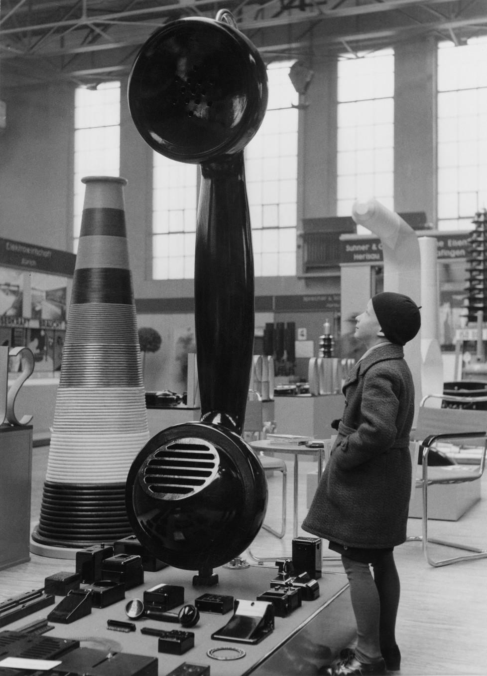Schweizer Mustermesse Basel 1934 | Impression Im Takt der zeit IM TAKT DER ZEIT BILDNACHWEIS Quelle: Staatsarchiv Basel-Stadt, Privatarchiv MCH Group