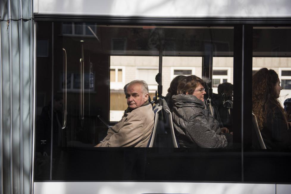 Buslinien 31 und 32 **Fotoblog** Bild 4 Linie 31, Hardplatz, (Tamedia AG/Thomas Egli, 31.3.2016)