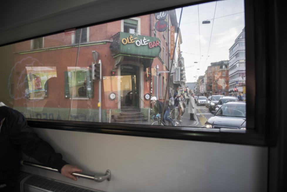 Buslinien 31 und 32 **Fotoblog** Bild 18 Linie 32, Olé Olé Bar. (Tamedia AG/Thomas Egli, 31.3.2016)
