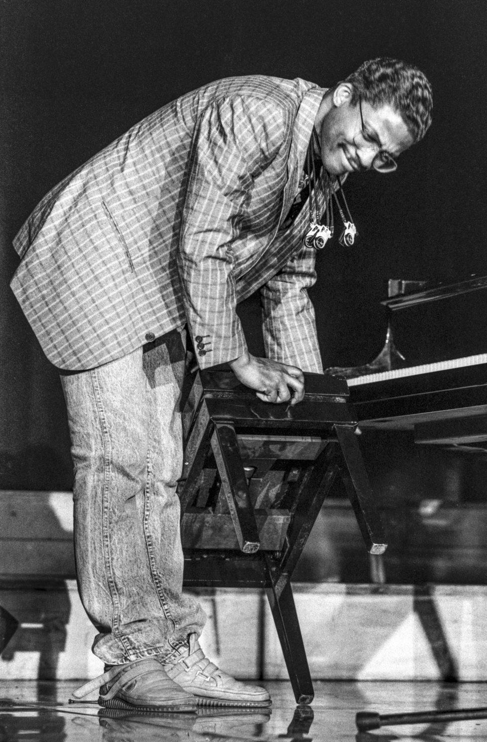 The jazz musician Herbie Hancock performs at the Montreux Jazz Festival in Switzerland on July 2, 1987. (KEYSTONE/Str) Der Jazz-Musiker Herbie Hancock spielt am Jazzfestival Montreux, aufgenommen am 2. Juli 1987. (KEYSTONE/Str)