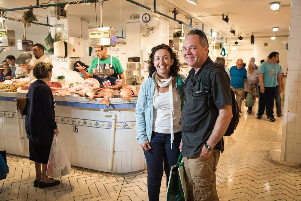 Tarifa südlichster Ort in Spanien Portraits von Schweizer, die sich in Tarifa zu Hause fühlen DANIELA UND MARC STÄMPFLI gehen mit uns auf den Fischmarkt in Algeciras MAI 2016 Esther Michel
