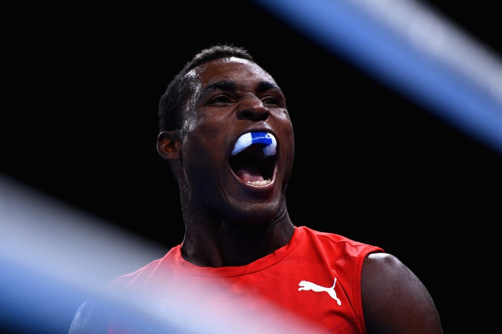 RIO DE JANEIRO, BRAZIL - AUGUST 10: Julio Cesar La Cruz of Cuba reacts as he competes against Mehmet Nadir Unal of Turkey (Blue) in the Men's Light Heavy preliminary round fight on Day 5 of the Rio 2016 Olympic Games at Riocentro - Pavilion 6 on August 10, 2016 in Rio de Janeiro, Brazil. (Photo by David Ramos/Getty Images)