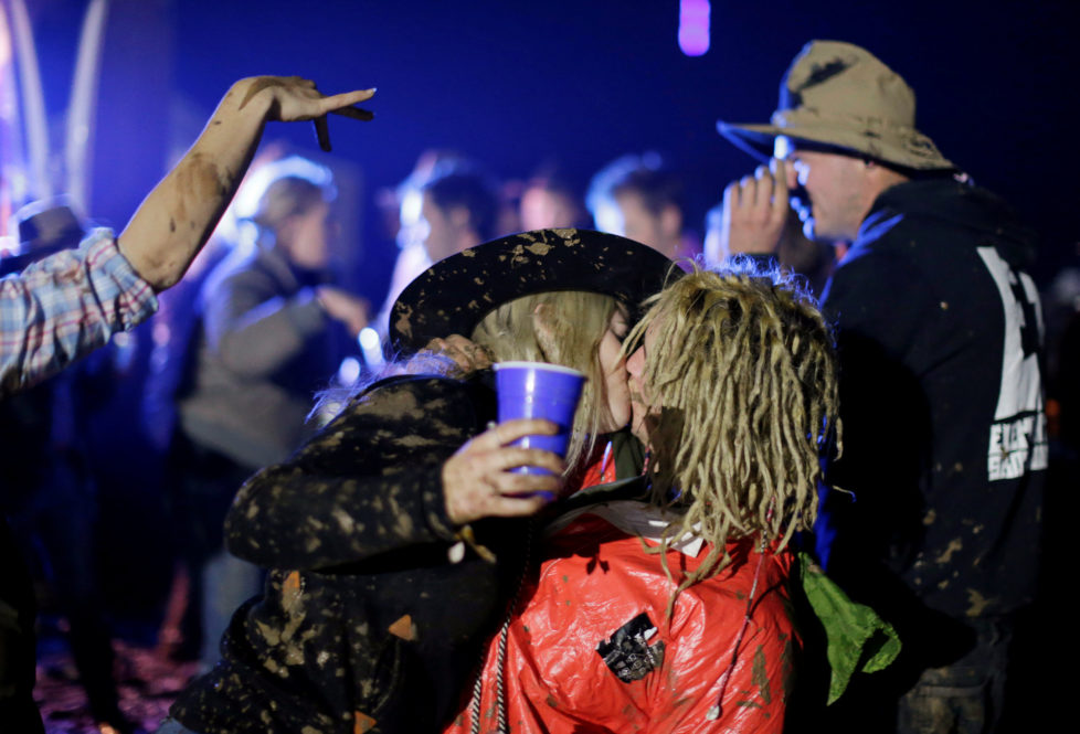 "A couple kiss on the final night of the Deni Ute Muster in Deniliquin, New South Wales, Australia, October 1, 2016. REUTERS/Jason Reed SEARCH ""UTE CULTURE"" FOR THIS STORY. SEARCH ""THE WIDER IMAGE"" FOR ALL STORIES."
