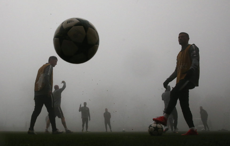 Football Soccer - Monaco training - UEFA Champions League - La Turbie, France - 21/11/16 - Monaco players train in the fog ahead of their Champions League match against Tottenham. REUTERS/Eric Gaillard