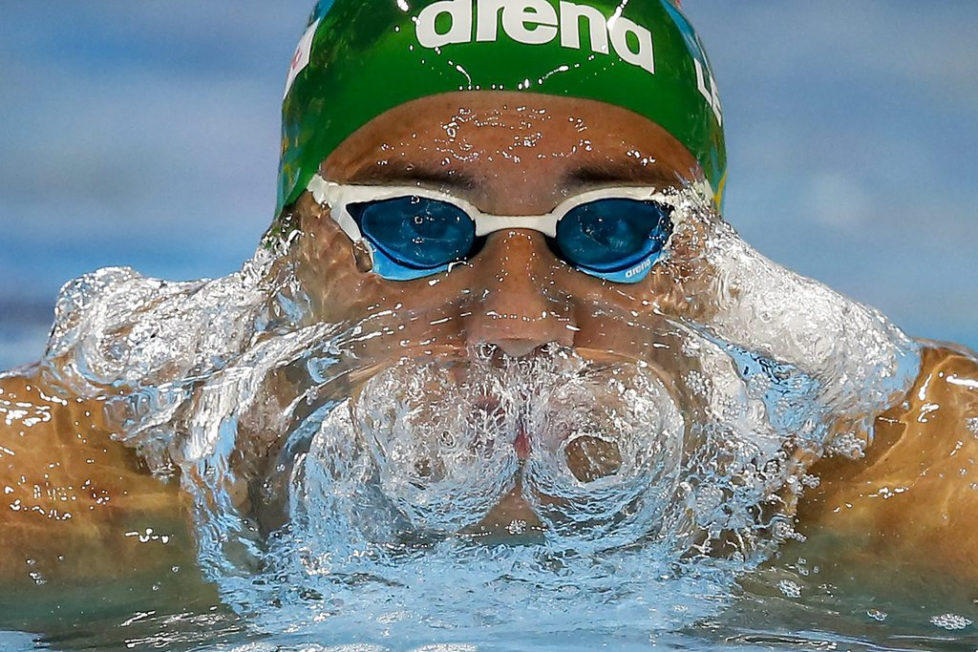 epa05662869 Chad le Clos of South Africa competes in the men's 200m Butterfly Heats during the 13th FINA Short Course World Swimming Championships at WFCU Centre in Windsor, Ontario, Canada, 06 December 2016. EPA/PATRICK B. KRAEMER