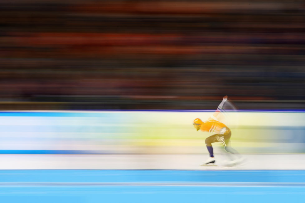 HEERENVEEN, NETHERLANDS - DECEMBER 11: Kjeld Nuis of the Netherlands competes in the 1000m Men race on Day Three of the Speed Skating ISU World Cup on December 11, 2016 in Heerenveen, Netherlands. (Photo by Dean Mouhtaropoulos/Getty Images)