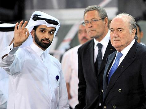 Hassan Al-Thawadi und FIFA-Funktionäre