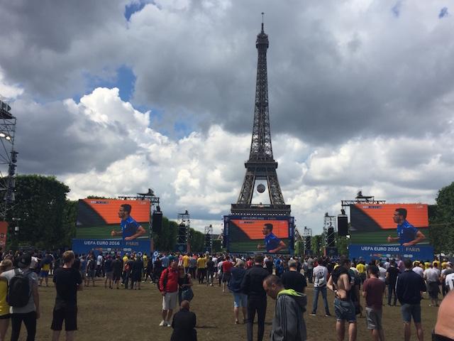 1 Fanzone Paris